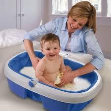 Cách giữ chân người giúp việc chăm trẻ nhỏ