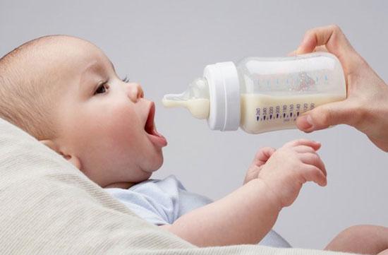 10 lưu ý mẹ nên cân nhắc khi nuôi con dưới 12 tháng tuổi