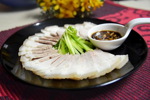 Tuyệt chiêu luộc thịt lợn ngon, trắng, mềm và ngọt