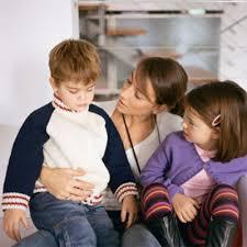 Cách dạy con cư xử với người giúp việc gia đình