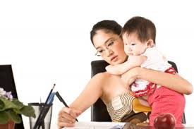Khi tìm được giúp việc không tốt các mẹ còn vất vả hơn