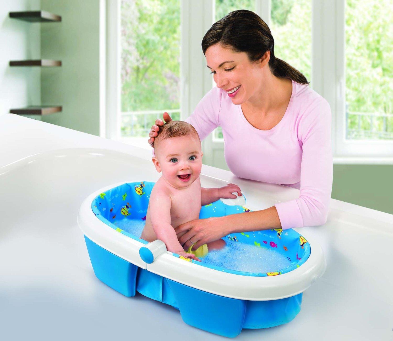 Một vài điều cần lưu ý khi tắm cho bé