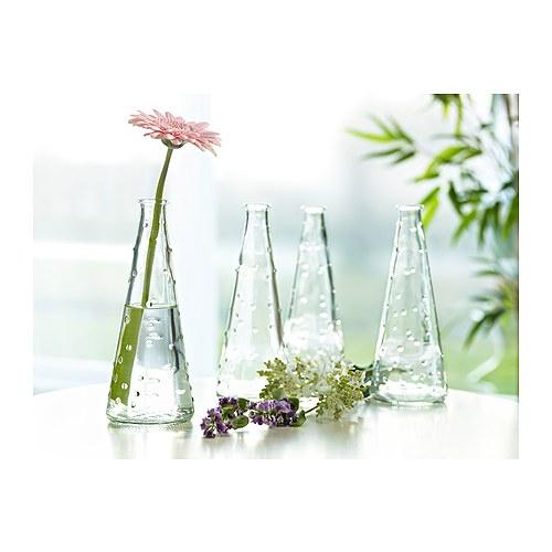 Những bình thủy tinh cần giữ được vẻ đẹp tinh khôi của nó