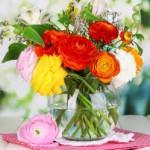 Giữ hoa tươi lâu thần kỳ nhờ nước ngọt có ga